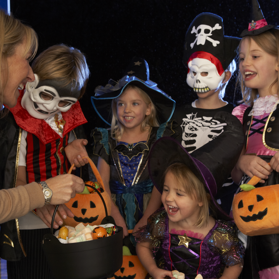 safety-tips-for-halloween-trick-or-treating