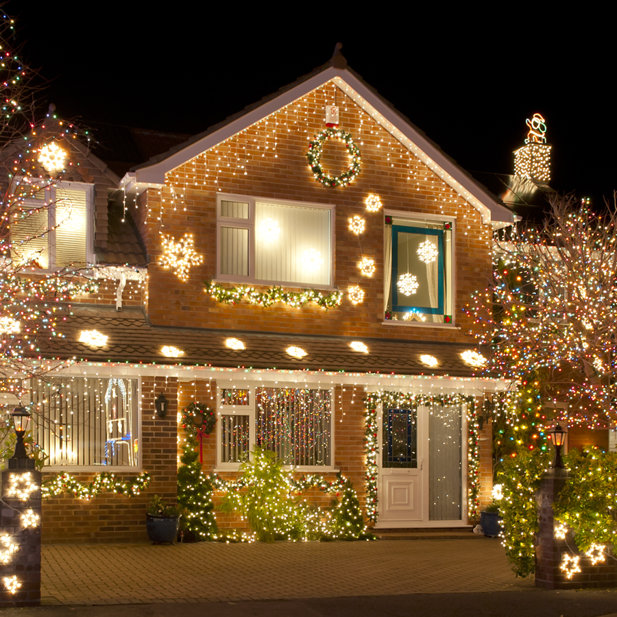 outdoor-holiday-decorating-tips-house