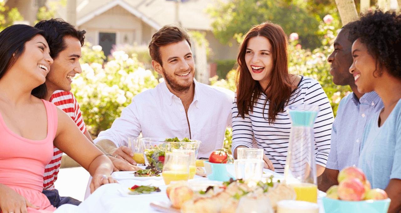 coolest-ways-meet-neighbours-friends.png