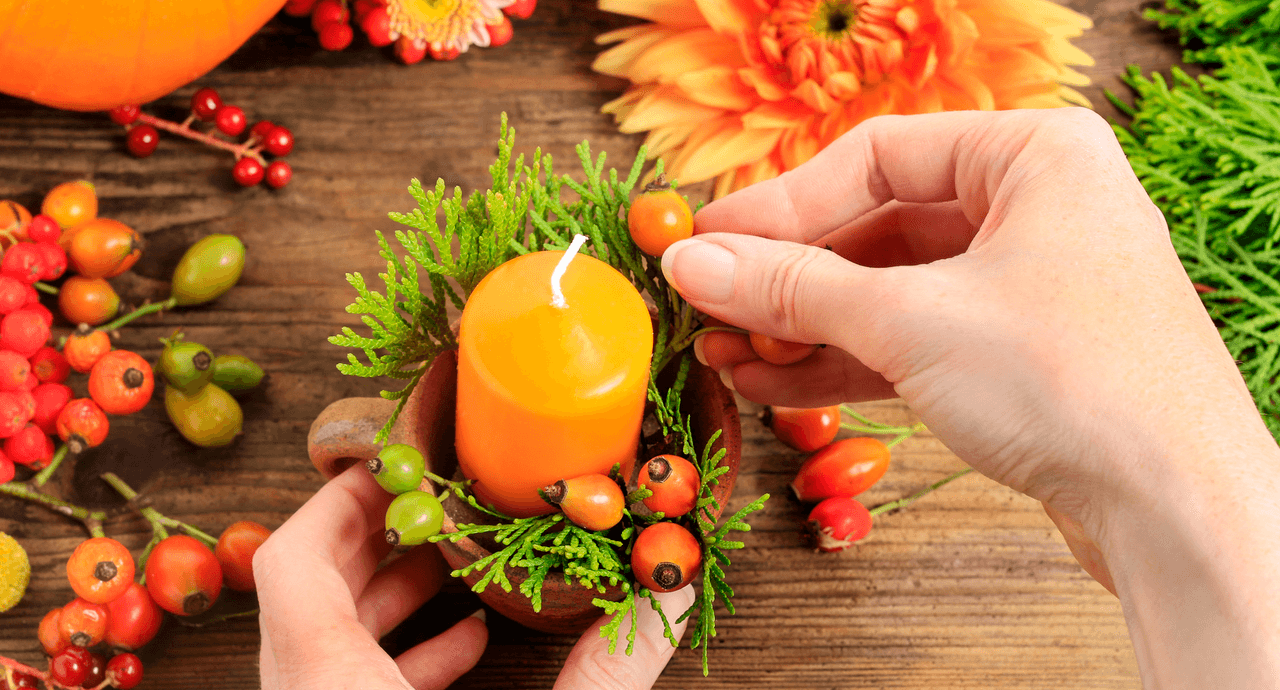 home-hacks-fall-decor-candle.png