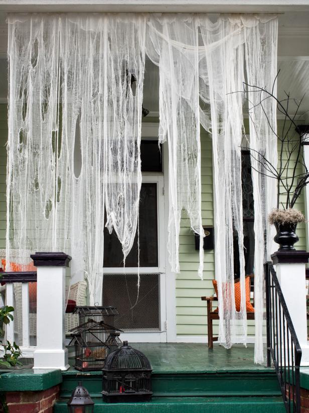 halloween-decor-ideas-ghoulish-drapes.jpg