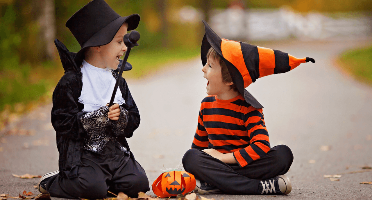 halloween-diy-costume-kids-dressed-up.png