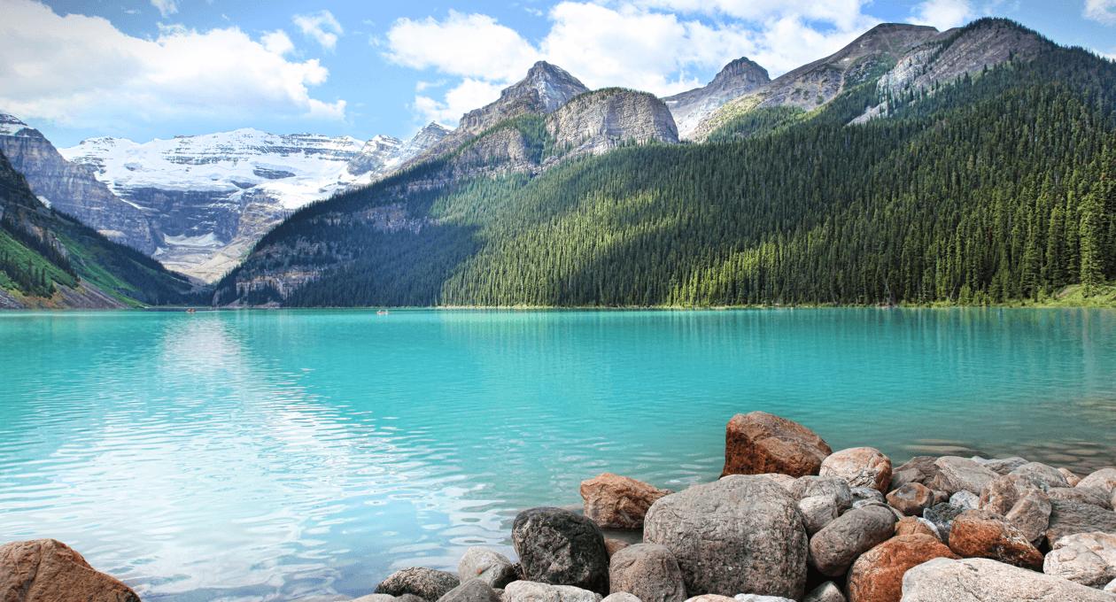 alberta-vacation-spots-banff-lake-louise.png