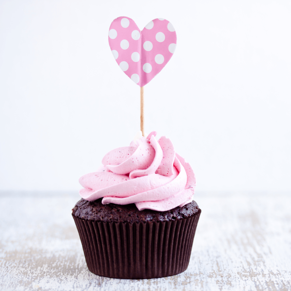 diy-valentines-day-gifts-chocolate-cupcake-heart-image.png