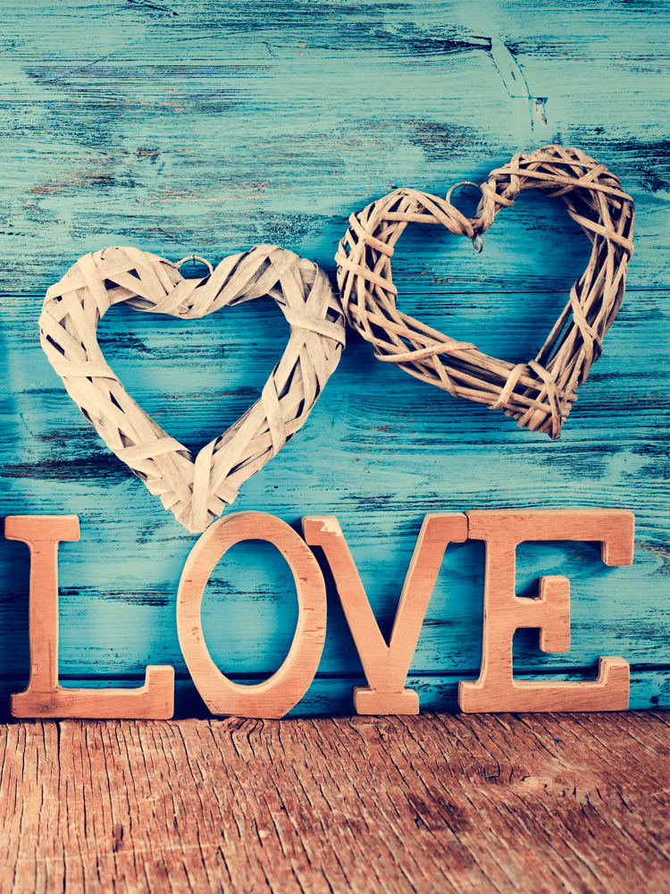 diy-valentines-day-gifts-rustic-wood-love-letters-image.png