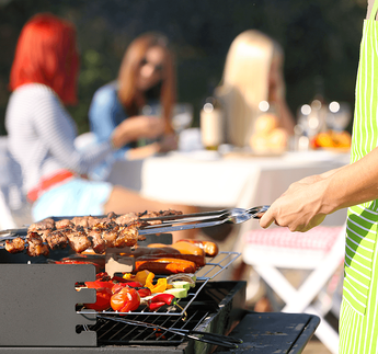 9 Best Hacks for Surviving the Summer Without AC Barbecue image