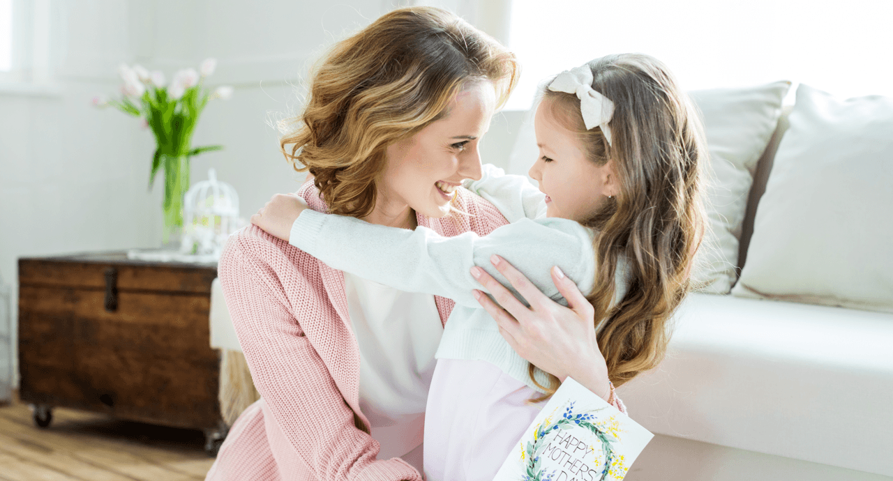 DIY Gifts That Will Make Mom Cry (In a Good Way) Hug Featured Image
