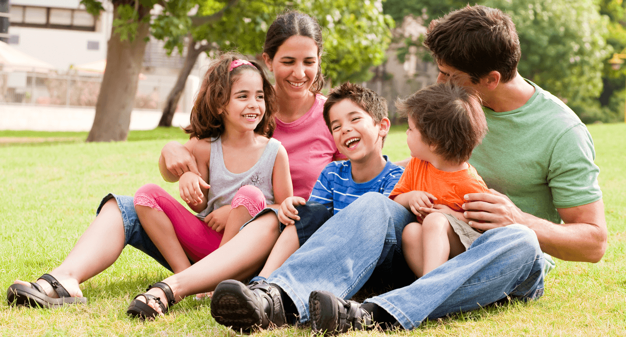 11 Activities for the Perfect Summer Day Happy Family Image