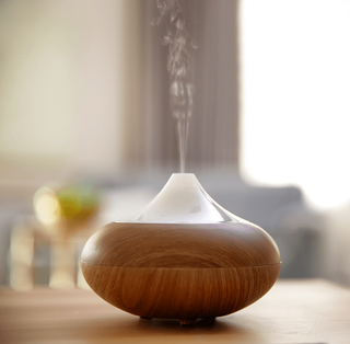 Setting Your Home's Mood: Using Signature Scents Oil Diffuser Image