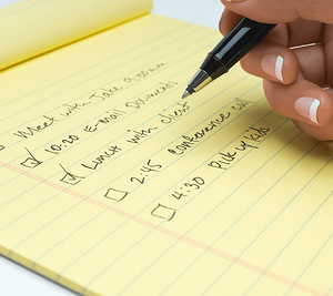 10 Everyday Habits to Help You Manage Your Time Writing List Image